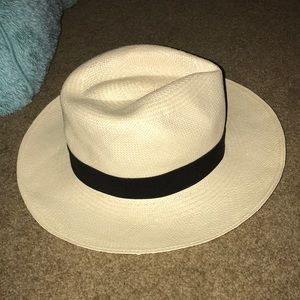 Accessories - Genuine Panama Hat Handwoven in Ecuador! NWOT 💕